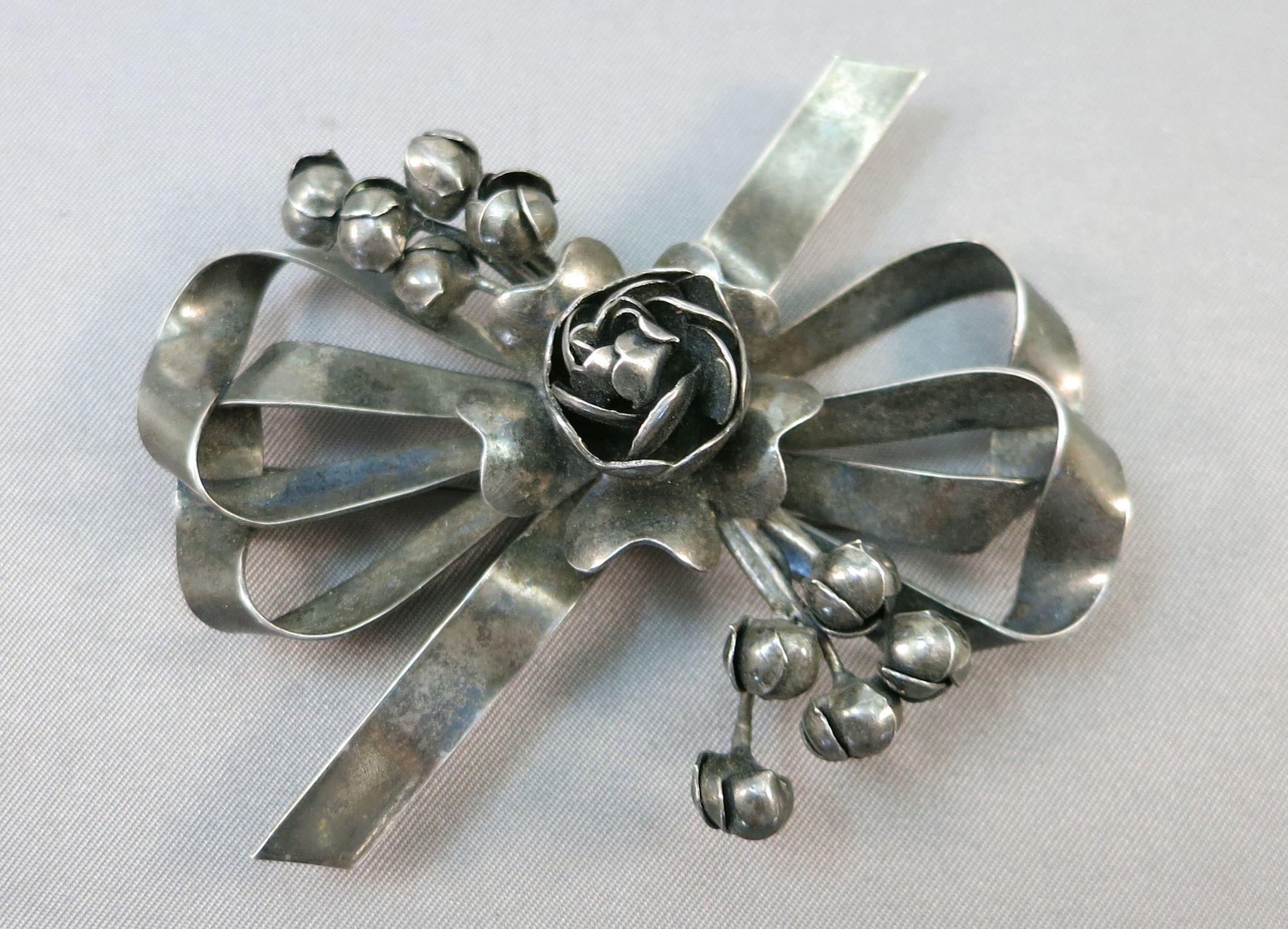VINTAGE Sterling Hobe' Brooch Flower Bouquet