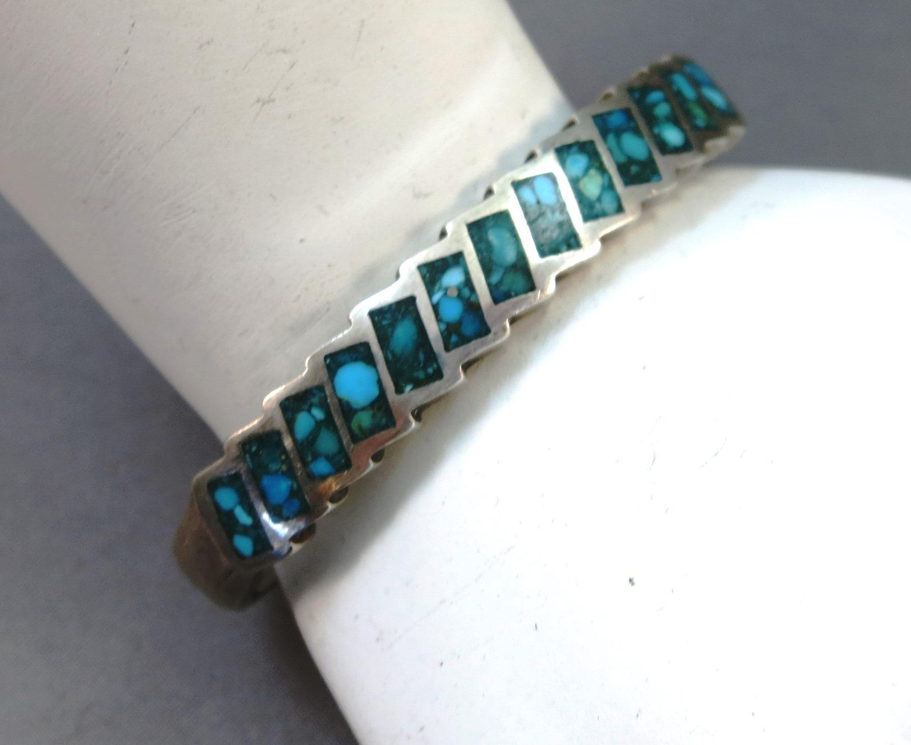 VINTAGE  Small Natural Turquoise Fine Chip Inlay Small Bracelet