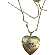 VINTAGE Gold Filled Picture Locket  18 Inch Chain