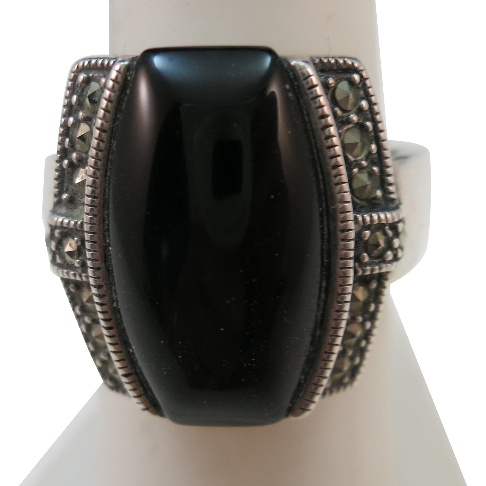 VINTAGE Sterling 925 Ring with Onyx   Size 7