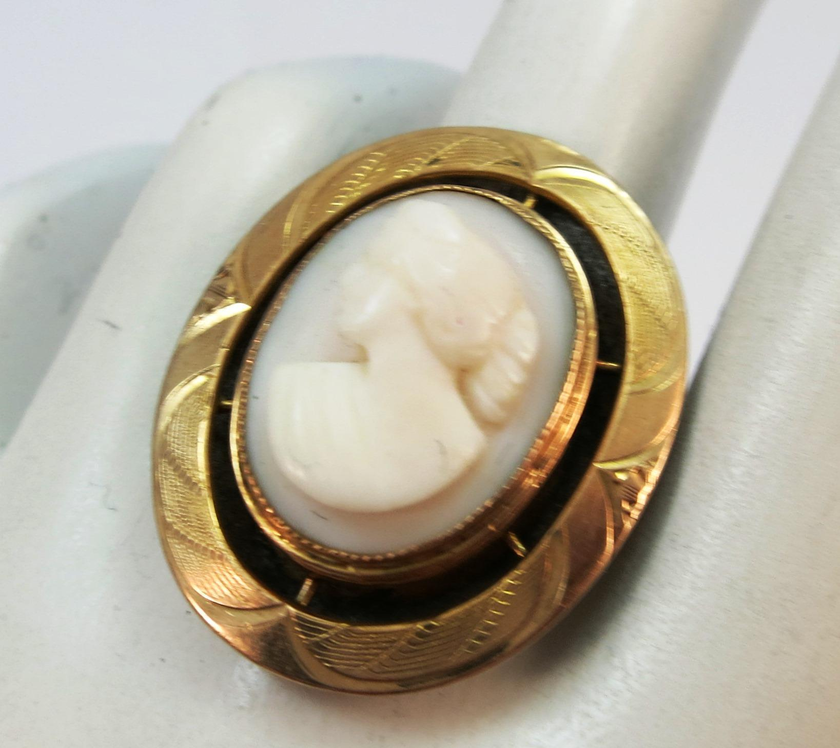 VINTAGE Yellow Gold  Angel Coral  Cameo Ring  Size 5 1/2