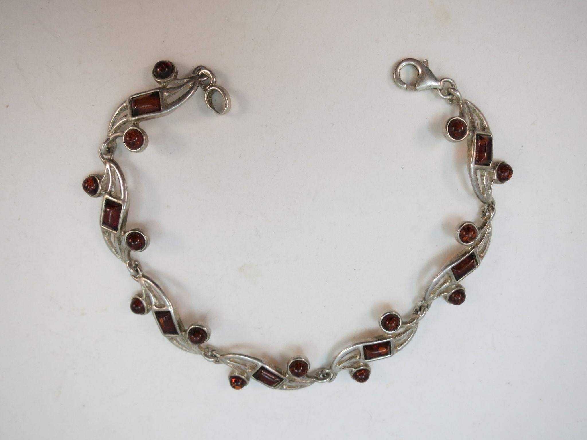 VINTAGE Sterling and Amber Link Bracelet  7 1/2 Inches