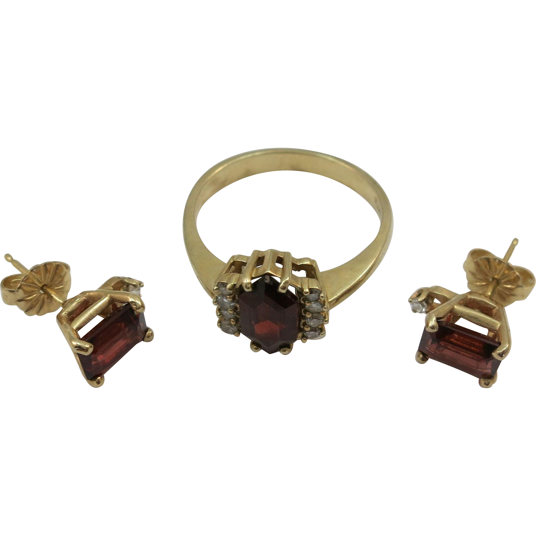 VINTAGE 10k Gold Garnet Ring and Earrings with Diamonds  Size 7 3/4