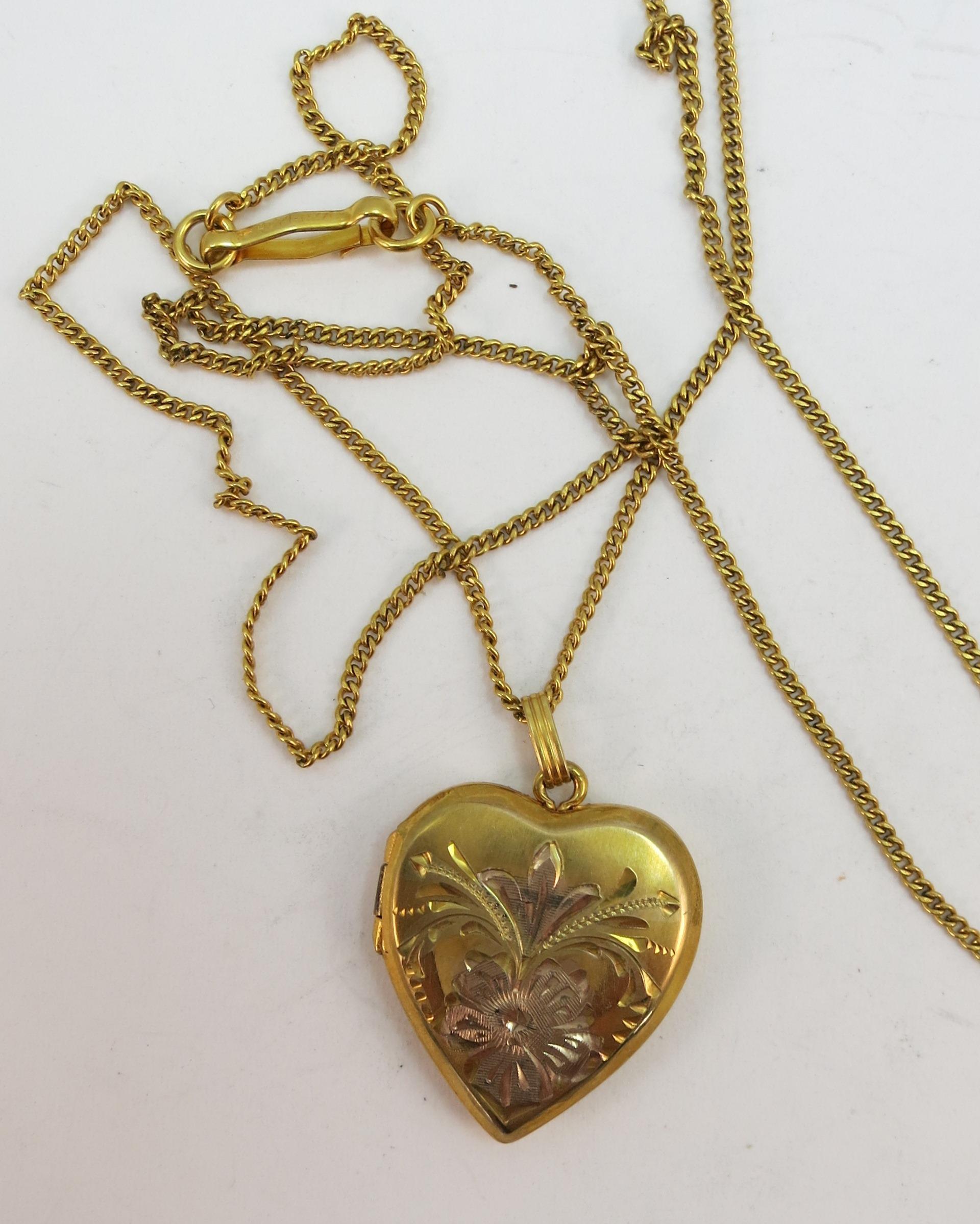 VINTAGE Gold-Filled Pretty Locket  18 Inch Chain