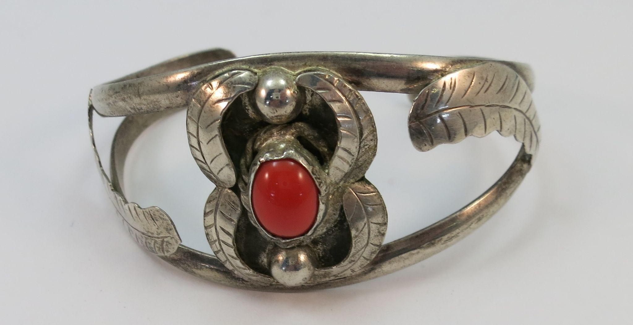 VINTAGE Sterling Indian-made Coral  Bracelet Adjustable