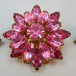 VINTAGE  Unsign Beauty Pretty in Pink Brooch and Earrings Clip