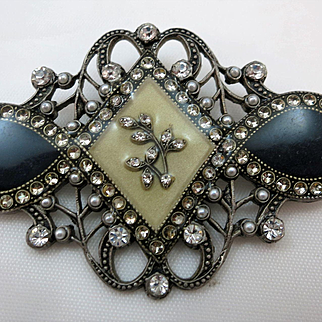VINTAGE Catherine Popeseo Brooch Made in France.  Beautiful