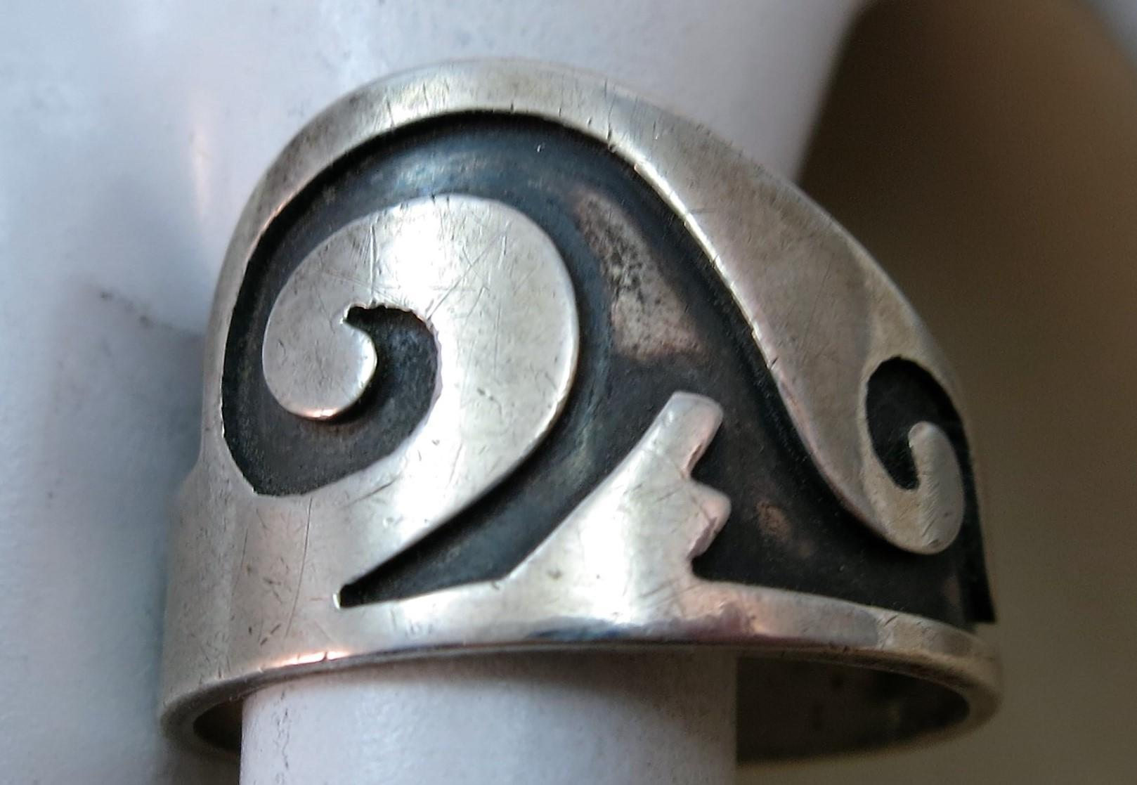VINTAGE Hopi Traditional Wave Ring  Very Old  Size  9 1/4