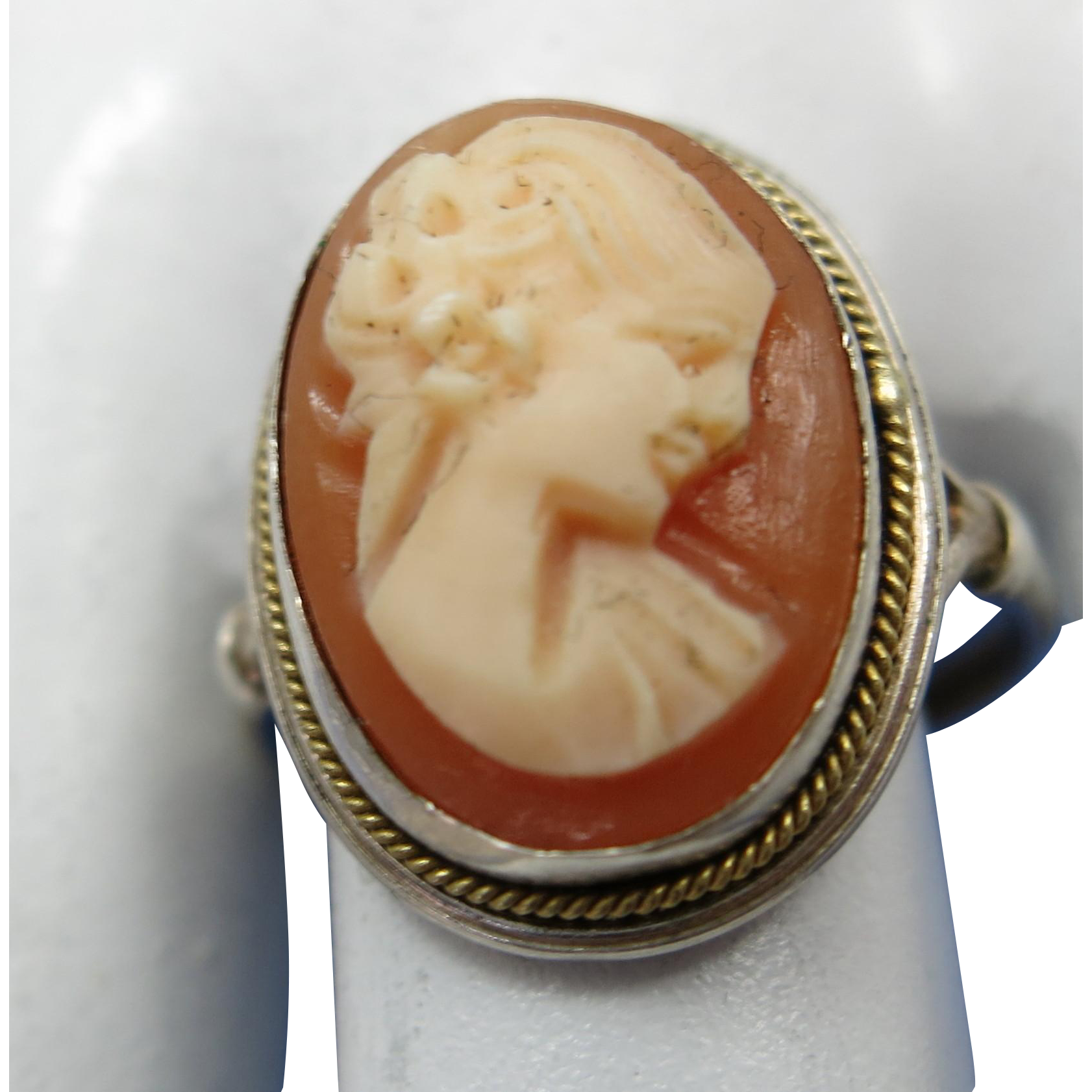 VINTAGE Sterling Shell Hand Carved Cameo Ring