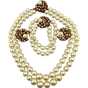 VINTAGE Parure Pearls Like Beads With Cabochon Beads    Classic!