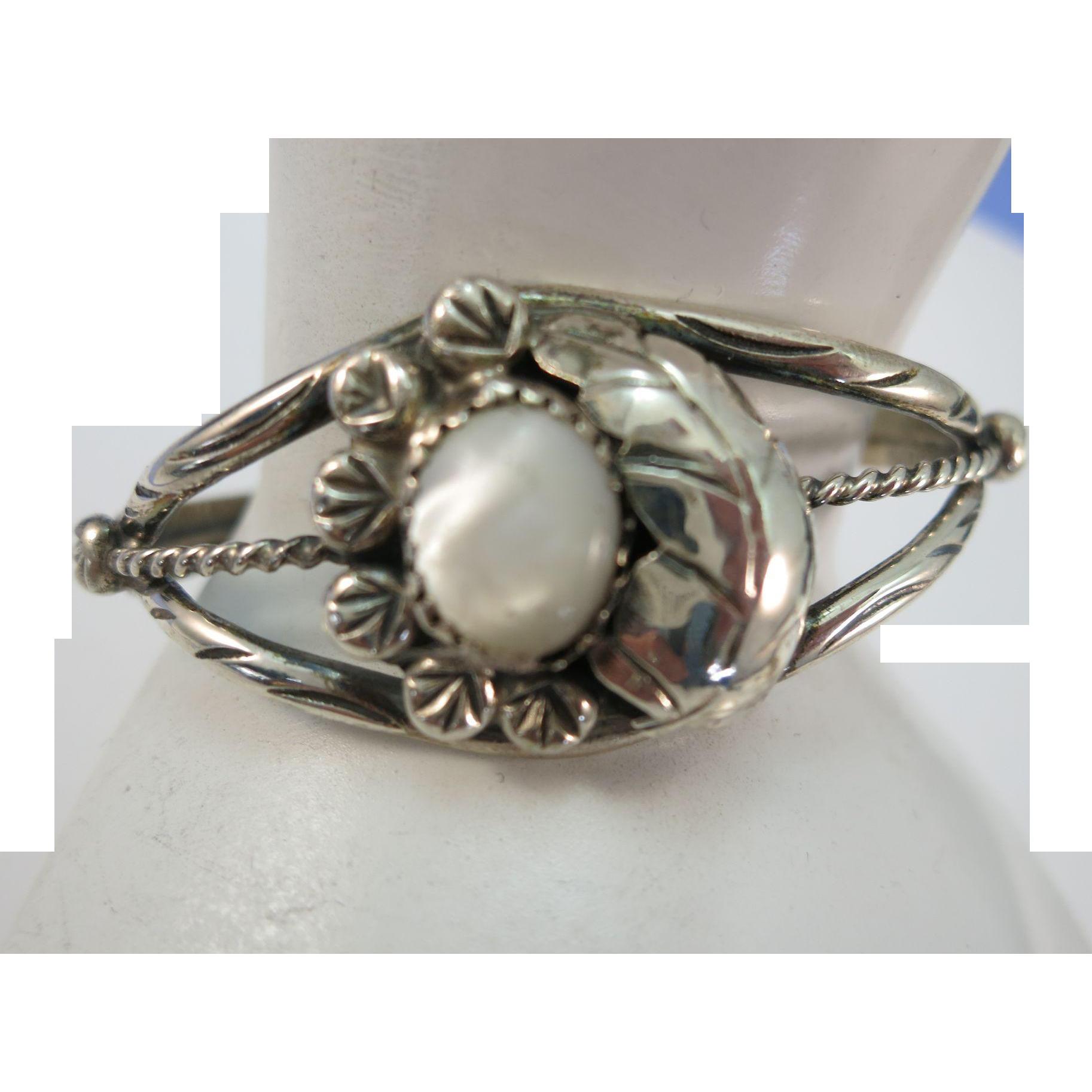 VINTAGE Mother of Pearl and Sterling Charming Bracelet