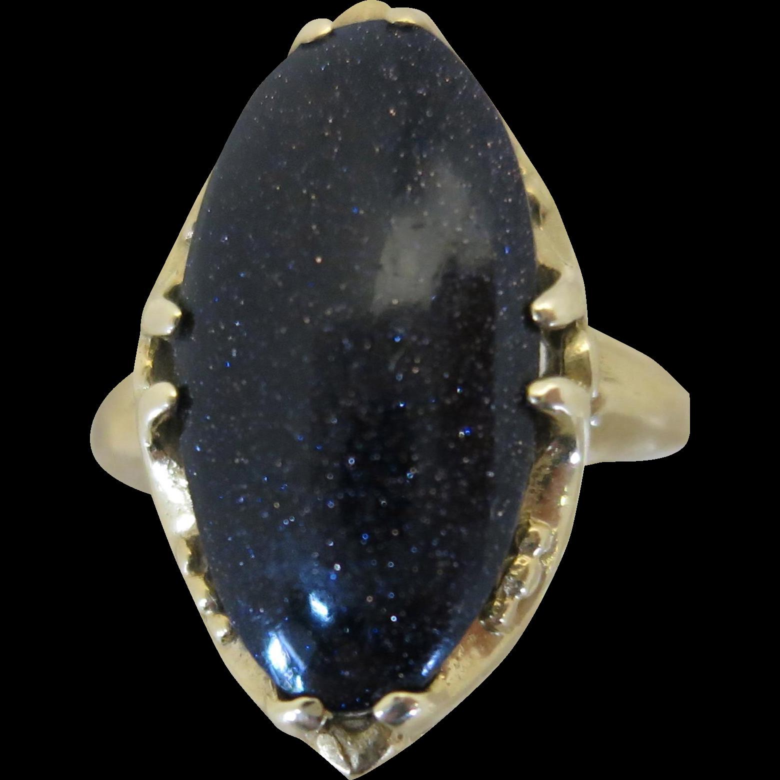 VINTAGE Older Lapis Lazuli Oval Set 14K Yellow Gold  Size 5 1/4