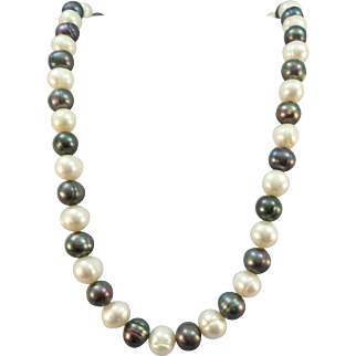 VINTAGE Strand of Freshwater Pearls  Large Pearls 11mm and 18 Inches