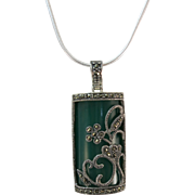 VINTAGE Dark Green Pendant with Sterling Decoration and Marcasites With Snake Sterling Chain