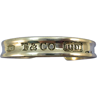 VINTAGE Tiffany and Co Bracelet Small Wrist  1837  From the 70's