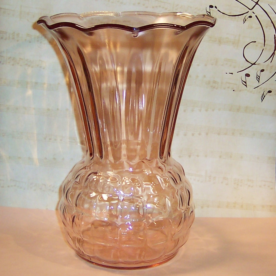 anchor hocking pink pineapple vase sold on ruby lane. Black Bedroom Furniture Sets. Home Design Ideas