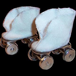Vogue Doll Ginny Roller Skates in Case