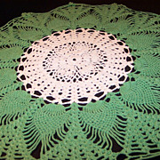 """SALE Vintage Crocheted 16 1/2"""" Round Green & Ivory Doily"""