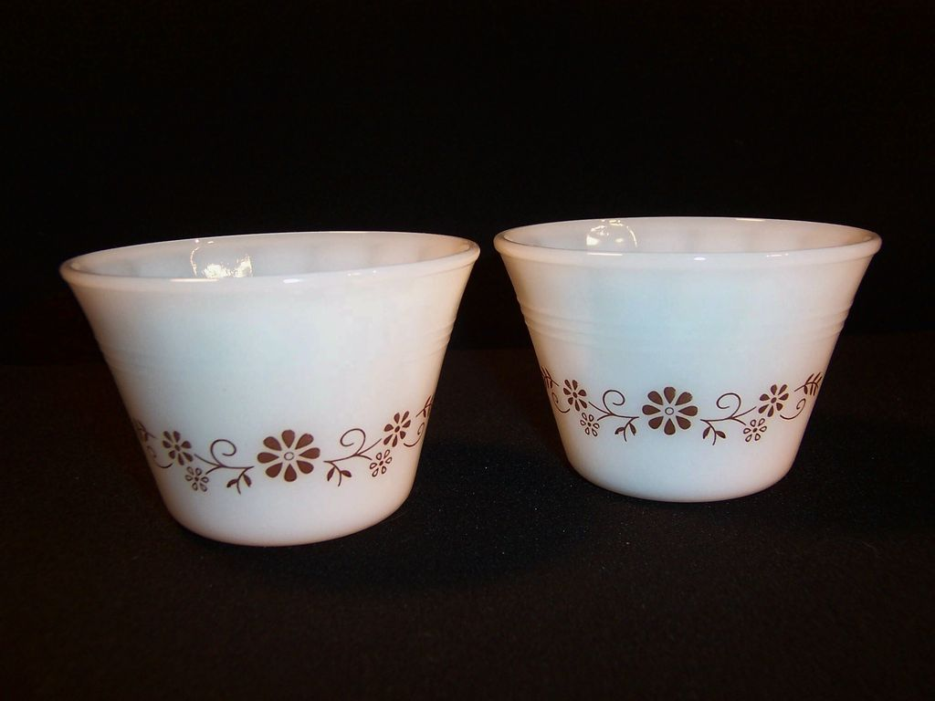 (2) Dynaware Brown Daisy Pattern 5 oz Custard Cups