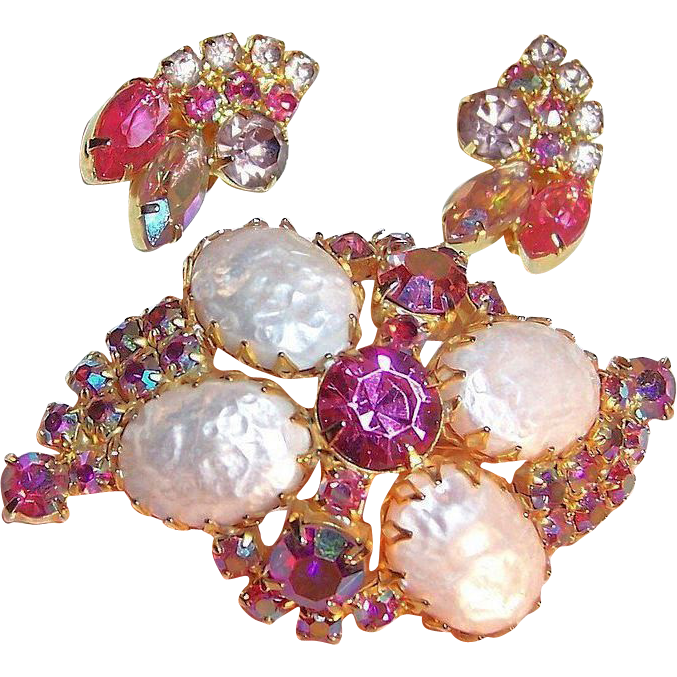 Stunning 1950's Pink Brooch & Earrings Set to Think Pink!