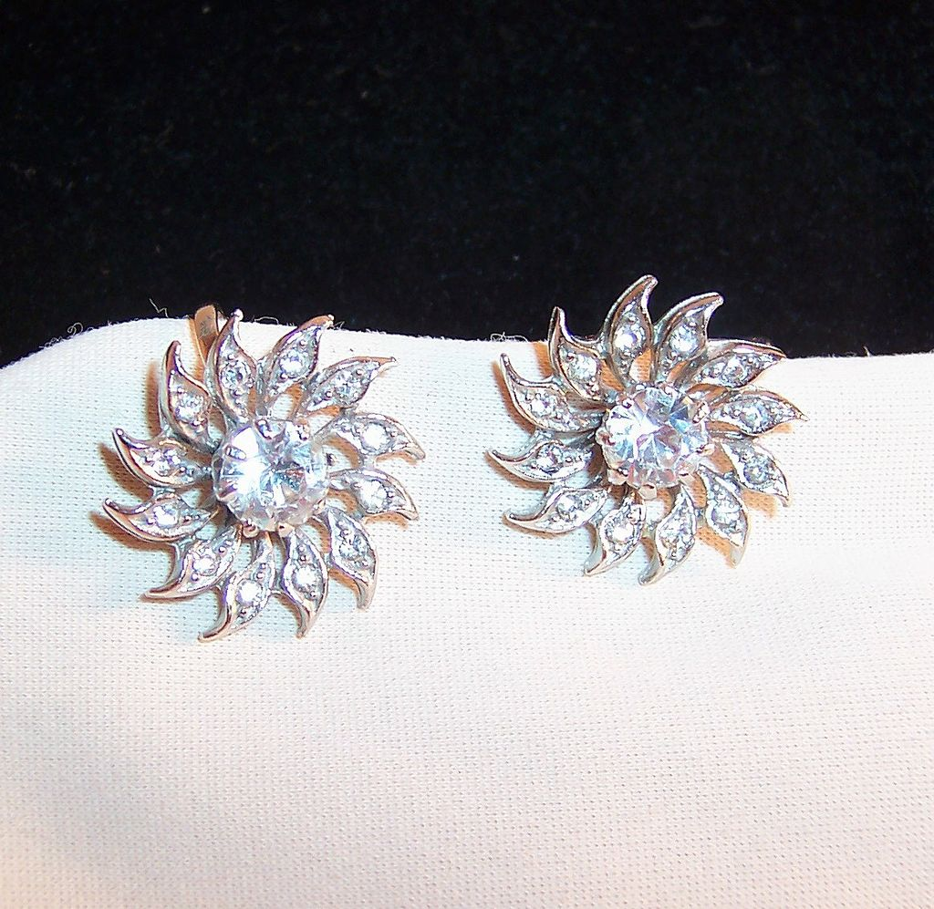 Sparkling Clear Rhinestone Earrings