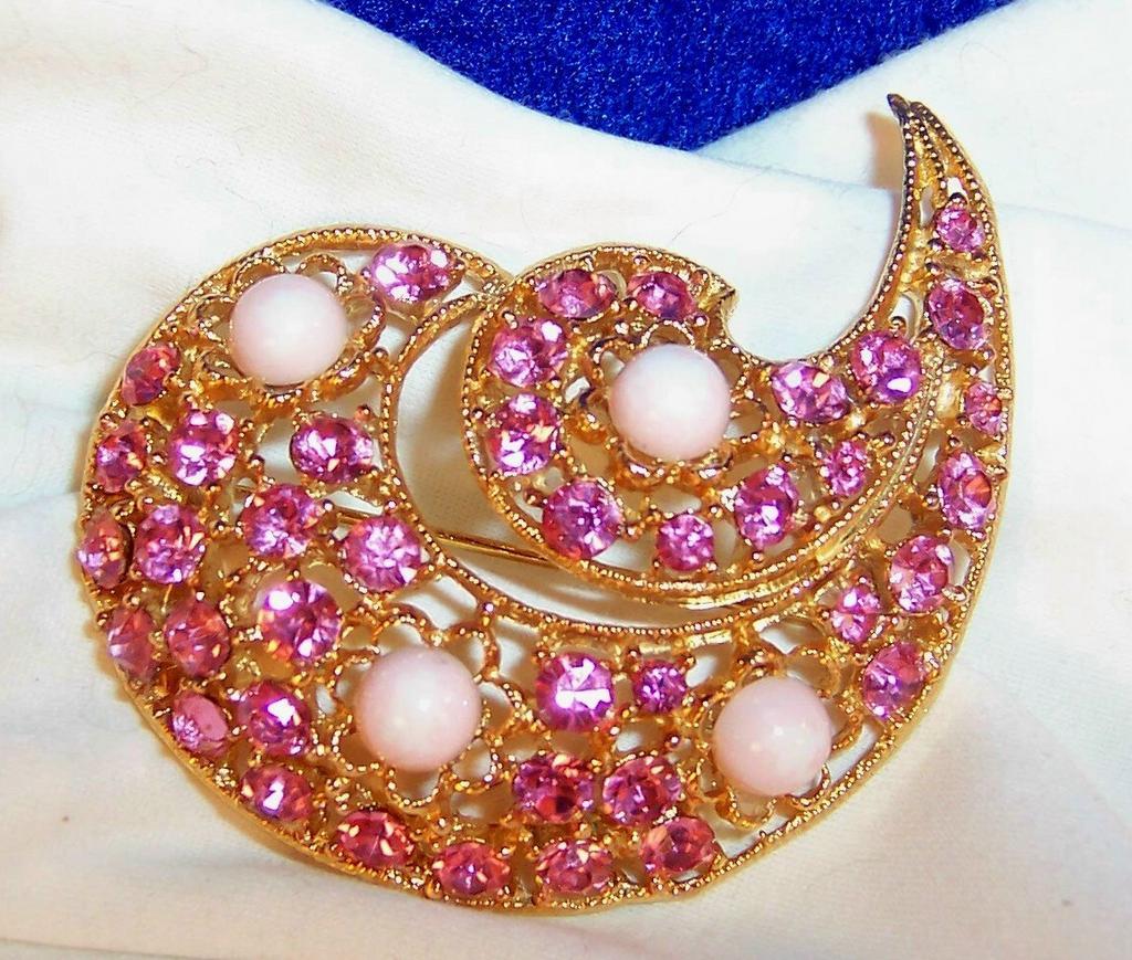 Vintage Sparkling Pink Rhinestone Semi Swirl Brooch / Pin