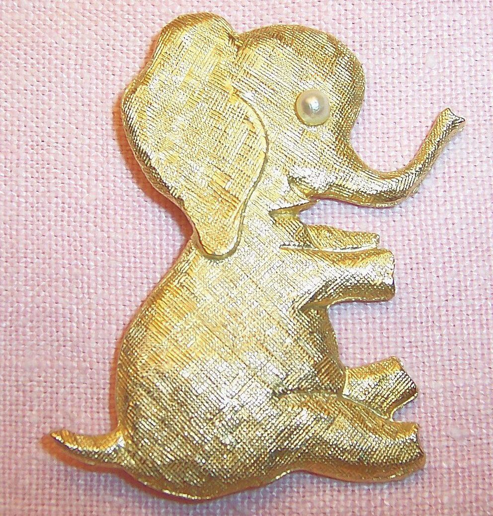Signed J.Freides: Large Playful & Fun Elephant Pin