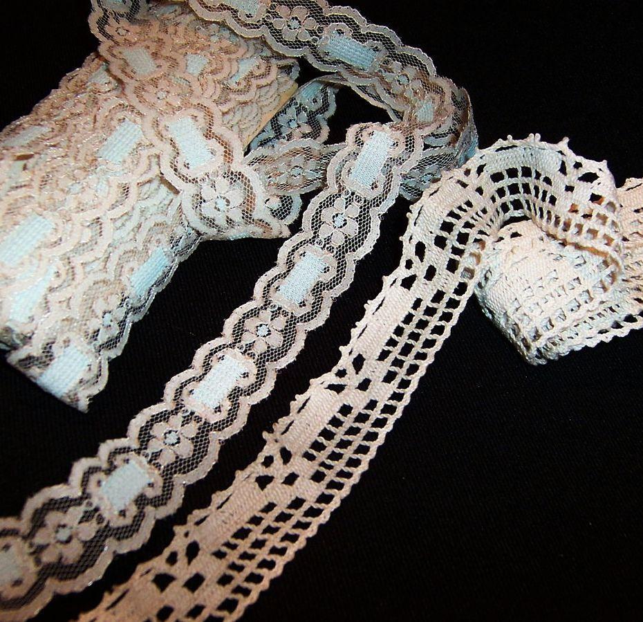 9 1/2 Yards Vintage Ivory Lace Trim