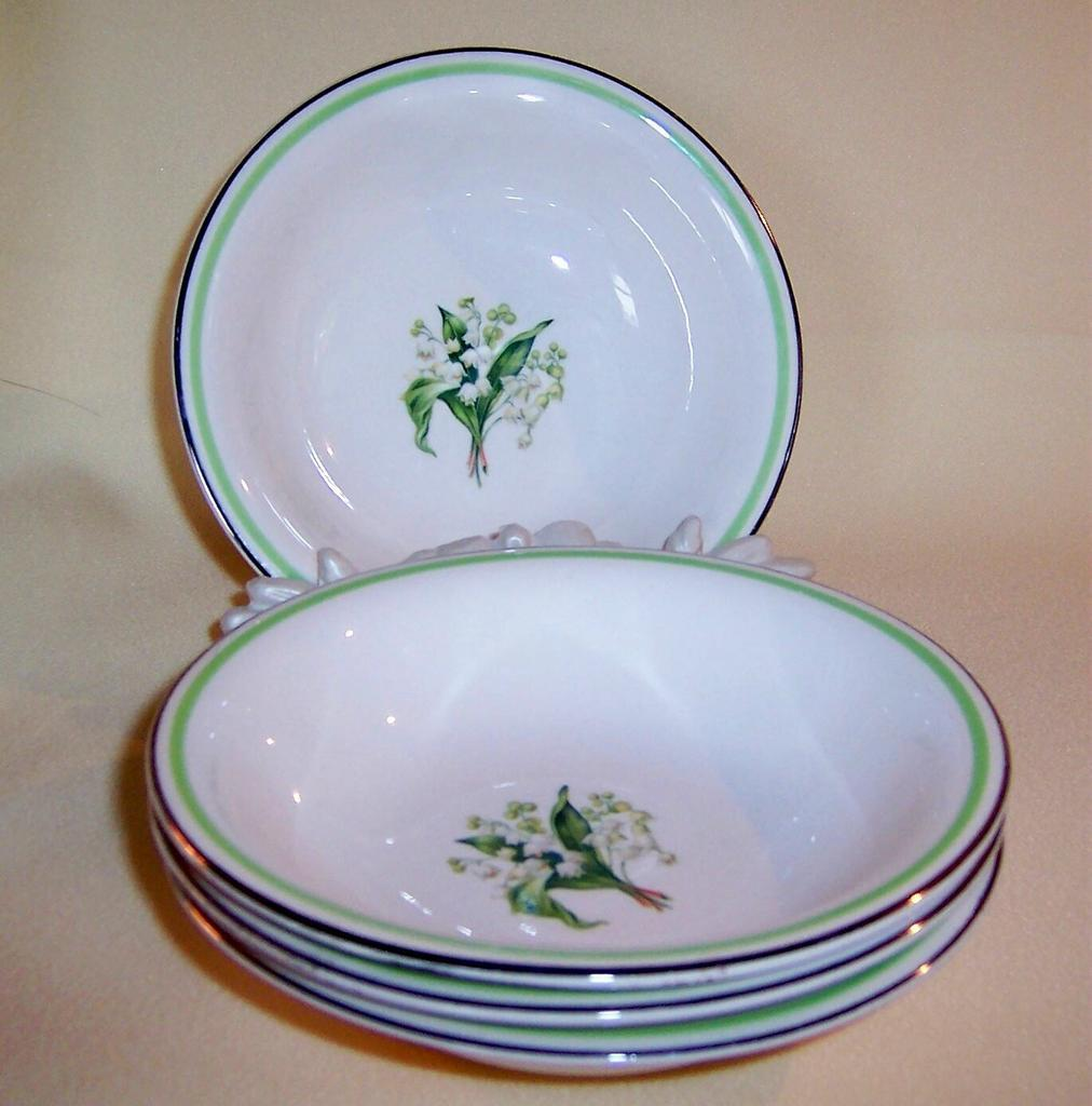 Homer Laughlin:SWING Lily of the Valley  Berry (Fruit) Bowls