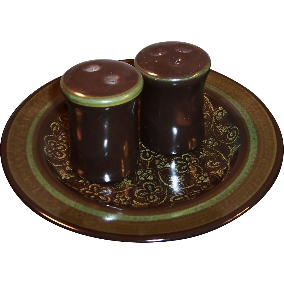 "Franciscan Madeira Earthenware  8 1/2"" Plate plus Salt & Pepper Set"
