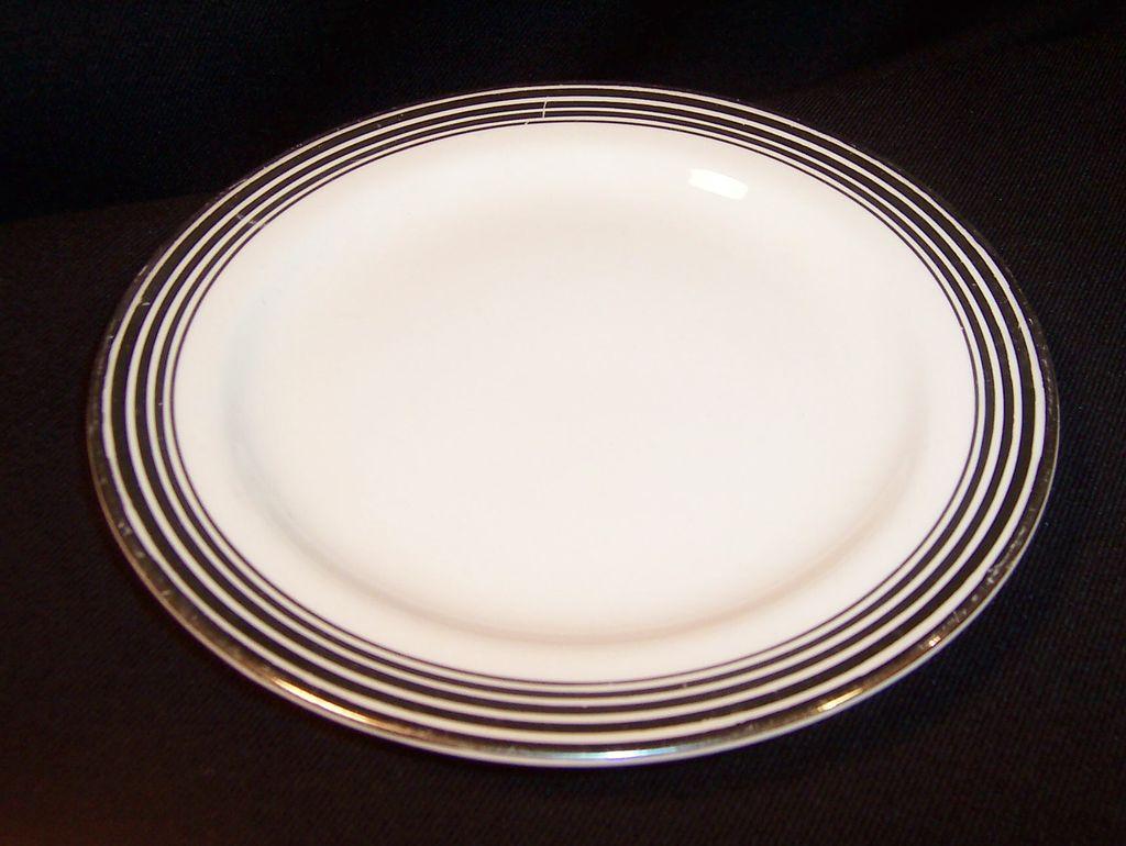"Homer Laughlin Nautilus Platinum Bands 6 3/8"" Plate"
