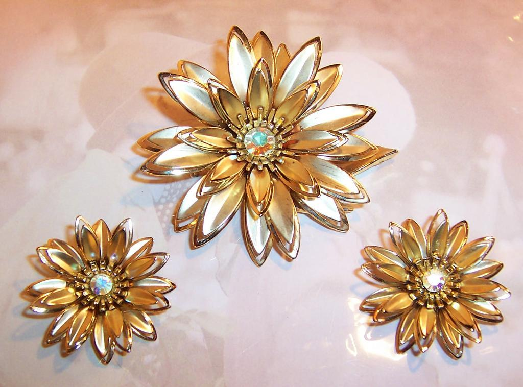 Big & Bold Satin Goldtone Floral Brooch & Earrings Demi