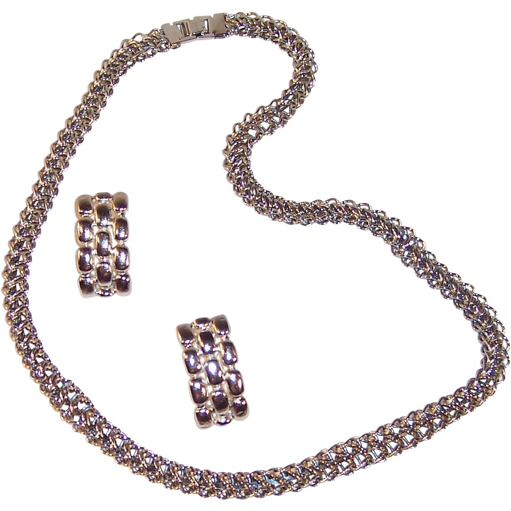 "Fancy 24"" Chunky Chain Silvertone Necklace & Earrings"