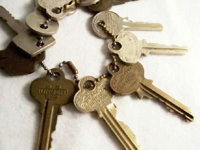 LOT Of Eleven:  Variety of Vintage Keys on Chain