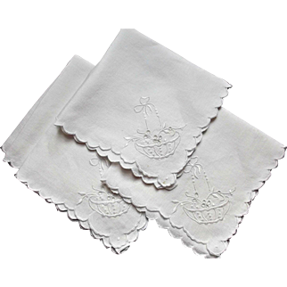 Four Vintage Embroidered White Linen Napkins Basket Bow