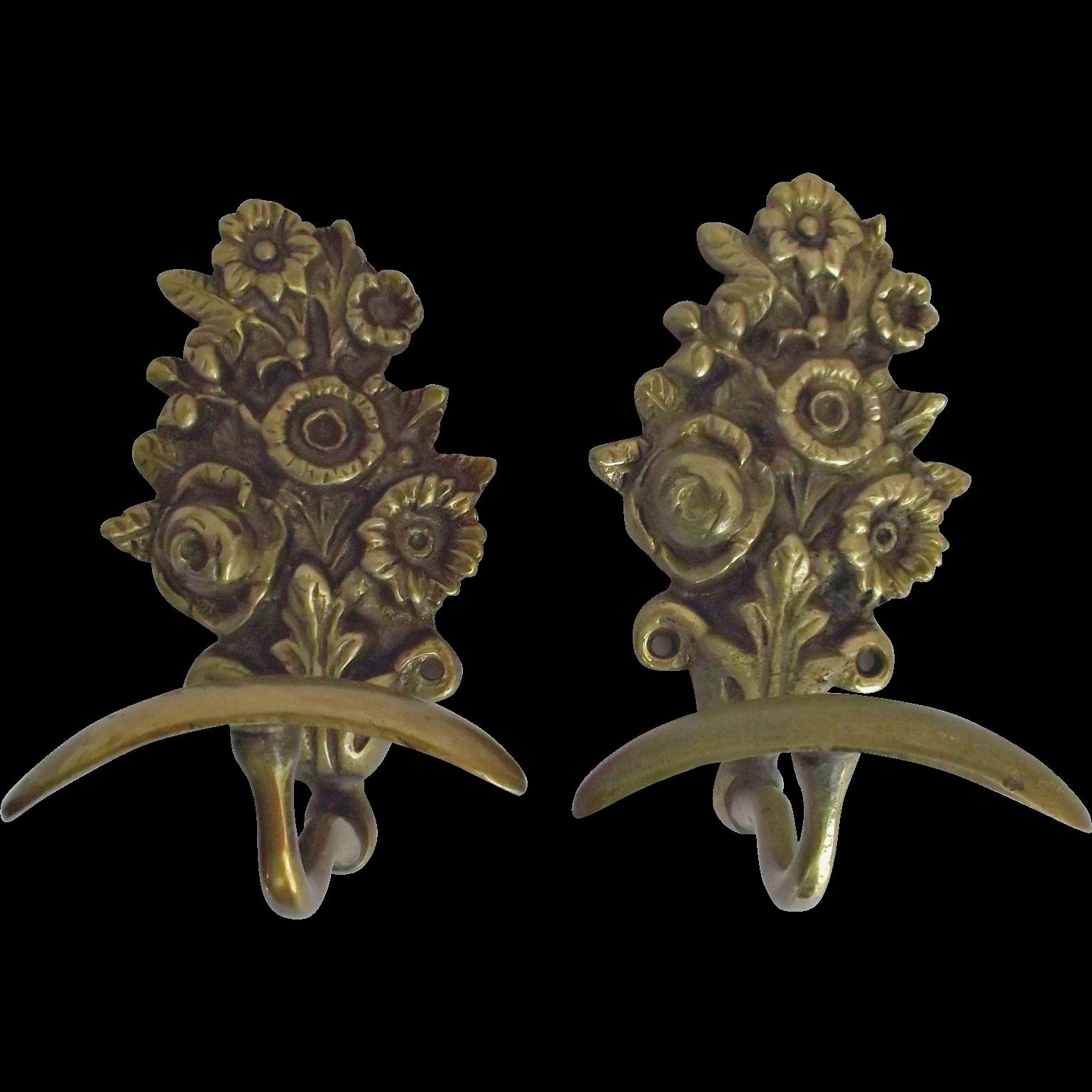 Vintage Brass Metal Wall Hooks Hangers Floral