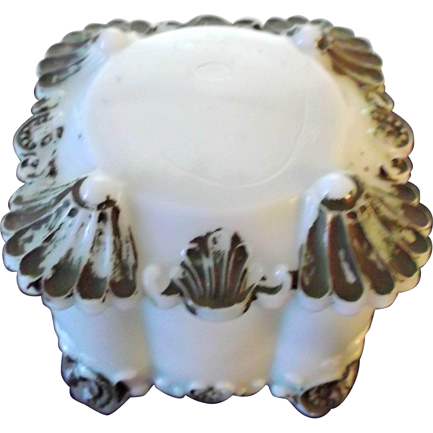 Old Milk Glass Box Shells Scrolls Beads Trinkets Vanity Vintage