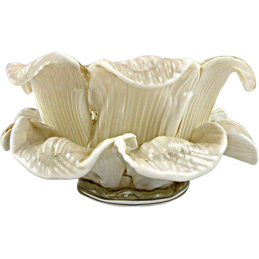 Fratelli Toso Murano White Floral Bowl made of Delicate Glass Petals