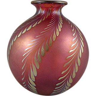 Correia Art Glass Red Vase with Iridescent Fronds 1983 Signed
