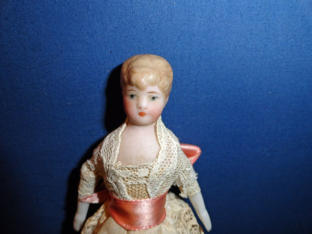 Elegant Doll House Lady Doll