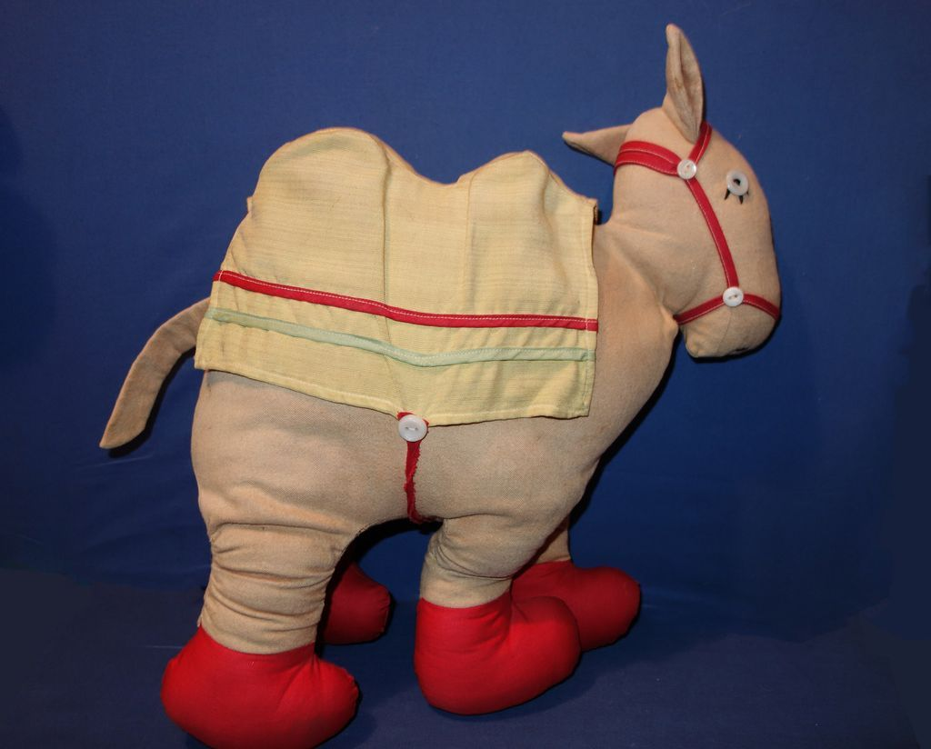 Early Camel with the Wrinkled Knees