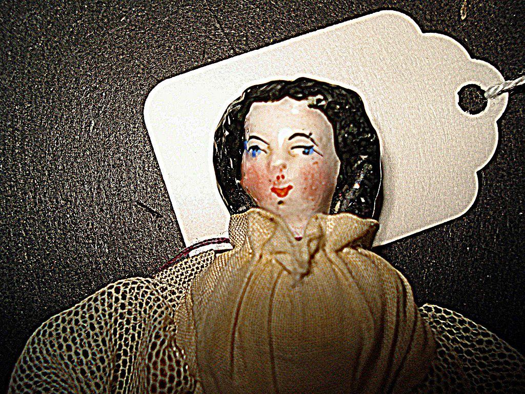 1840 China Doll House Doll  rare hairdo 4 inches tall
