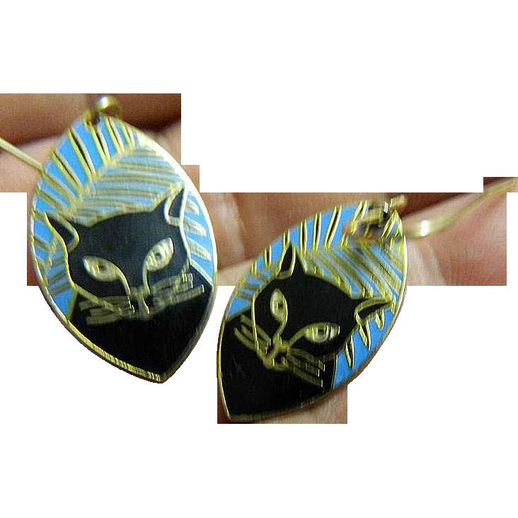 Pierced earrings- Black cat motif