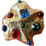 Textured-angular-Jewel set Pin