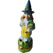 Halloween witch-Limoges figurel Trinket box