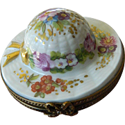 "Charming ""Hat"" Limoges trinket box"