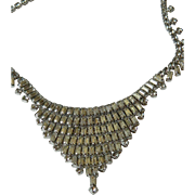Gorgeous glass stone 1950-1960 necklace