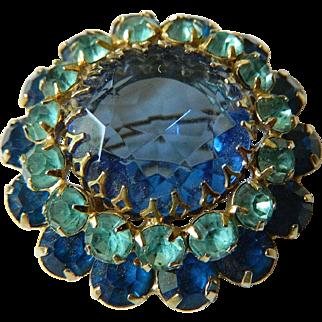 Gorgeous-Glass stones Pin