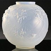 """Sabino """"Les Abeilles"""" Opalescent Vase"""