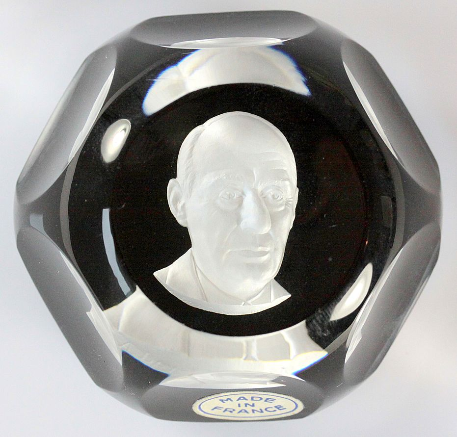 Baccarat Limited Edition Sulphide Paperweight of Adlai Stevenson